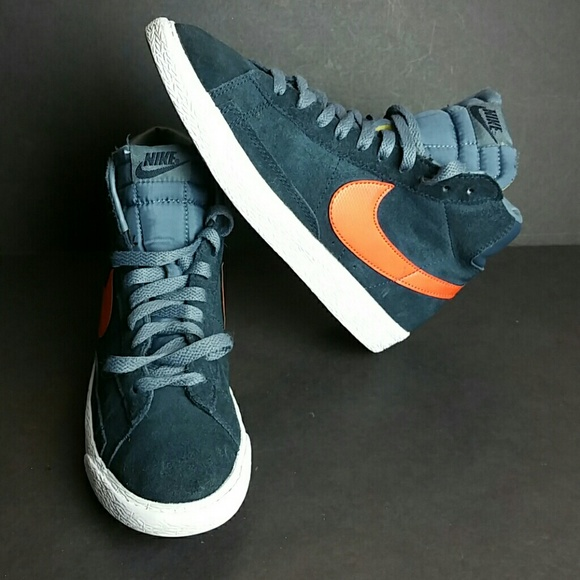 uk availability eb46c ab7ee NIKE BLAZER MID VINTAGE YOUTH WOMEN SHOES. M 5ac17c079a9455a4e81af5d8